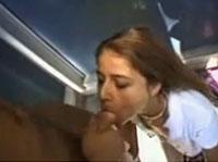 Geiles Natursekt Girl verwöhnt Freund mit Blowjob